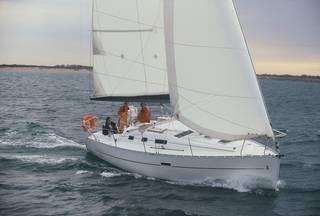 Bénéteau Océanis 323 (sailboat)
