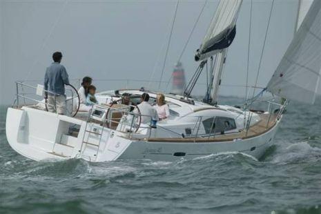 Bénéteau Océanis 40 (Segelboot)