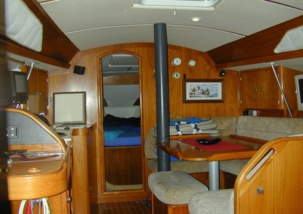 Jeanneau Sun Odyssey 33.1 picture 2 - click to enlarge