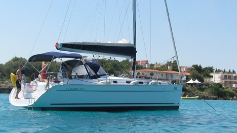 Data of the charter boat - sailboat / sailing yacht Beneteau Cyclades 43.4