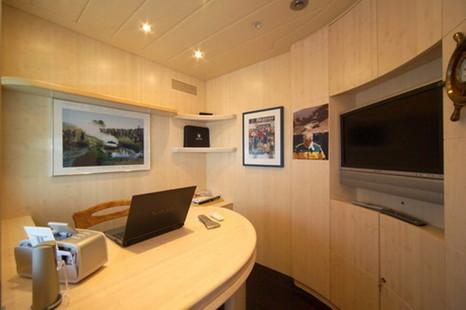 Fipa Maiora Motor Yacht picture 7