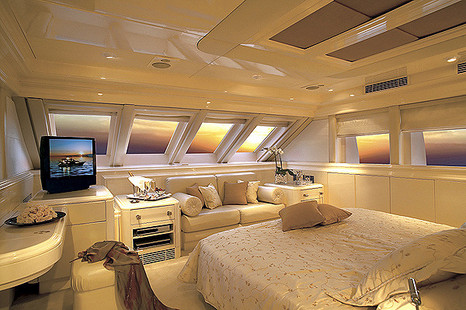 Motor Yacht picture 9