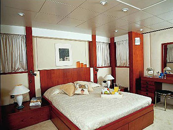 Motor Yacht picture 3