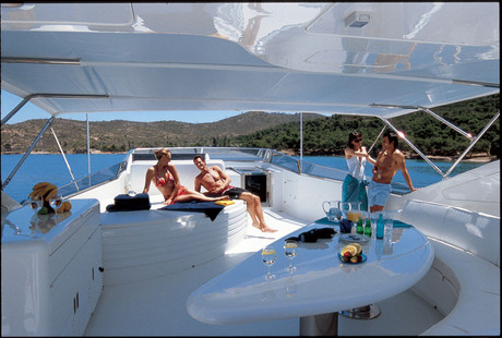 Falcon Motor Yacht picture 7