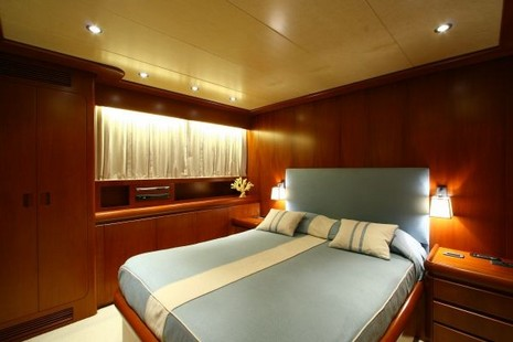 Admiral Motor Yacht picture 7